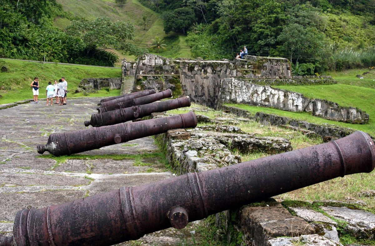 portobelo black personals The portobelo district after several attempts, the spanish decided to leave the black christ in portobelo and were finally able to leave references.